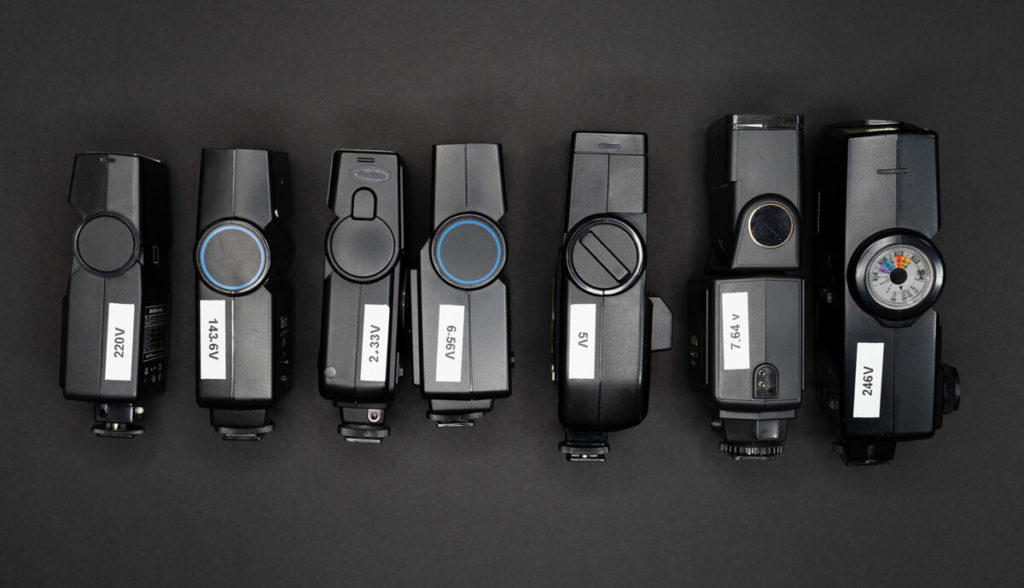 Thyristor flashes for film photographers